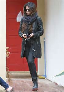 Tribal Rugs Uk Selena Gomez Rugs Up In Thick And Wooly Winter For
