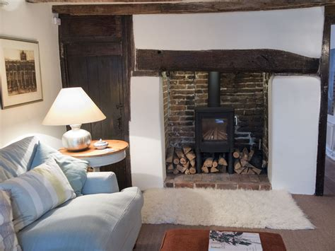Sitting Rooms With Fireplaces by Fireplace Sitting Room Faversham