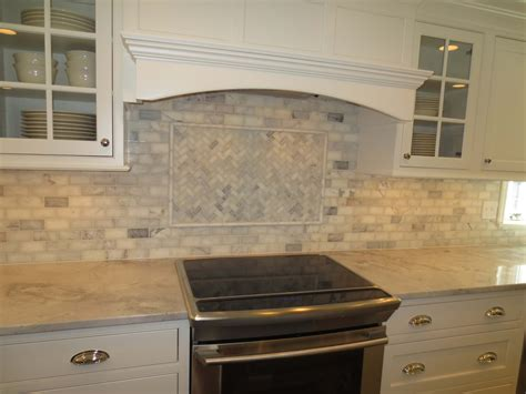 Tiled Kitchen Backsplash by Marble Subway Tile Kitchen Backsplash With Feature Time