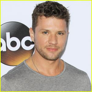 ryan phillippe injury update reese witherspoon brings kids ava deacon to celebrate