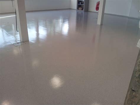 Commercial Hard Floor Cleaning ? Vinyl, Marmoleum