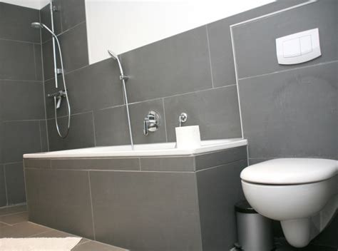 badezimmerdusche bodenfliese ideen idee badewannen umrandung