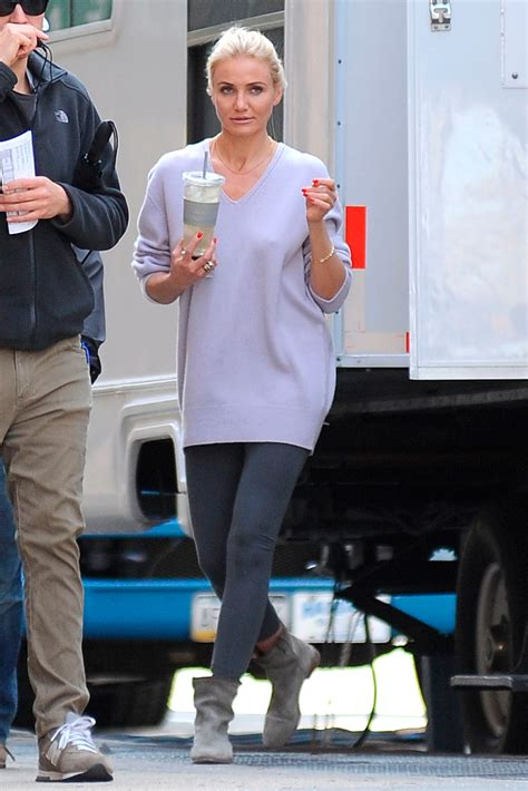 Style Cameron Diaz Fabsugar Want Need 5 by Cameron Diaz Scores A Style Hit On The Set Of The Other