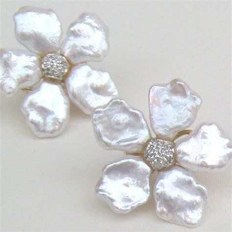Keshi pearl flower earstuds   Gallery