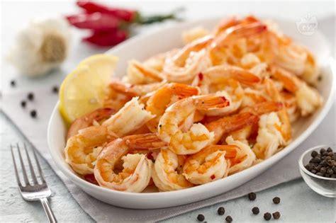 cucinare i gamberetti ricetta gamberi aglio e peperoncino la ricetta di