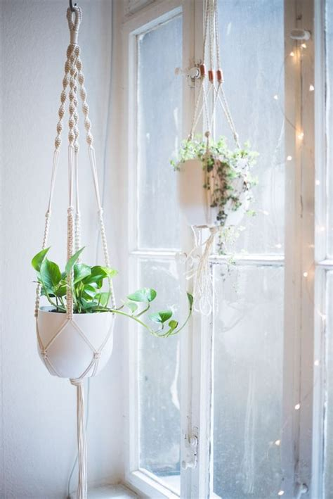 Step By Step Macrame Plant Hanger - a detailed step by step macrame plant hanger tutorial