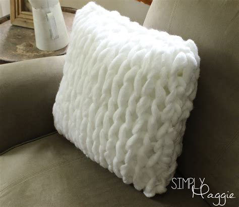 Knitting Pillow Patterns - one hour arm knit pillow pattern simply maggie