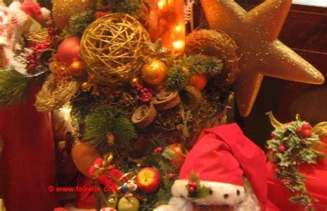 Charmant Objets De Decoration Design #2: Cadeaux-objets-vitrine-magasin-papa-noel.jpg