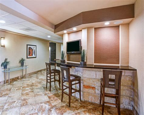 comfort suites arlington tx reviews comfort suites arlington 2017 room prices deals