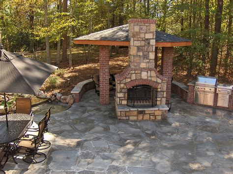 Outdoor Pits And Fireplaces by Outdoor Fireplace And Pit