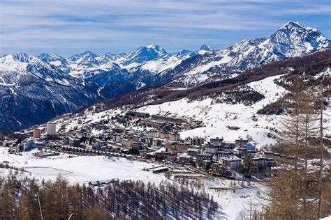 hotel banchetta sestriere italy sestriere skiing holidays ski sestriere italy