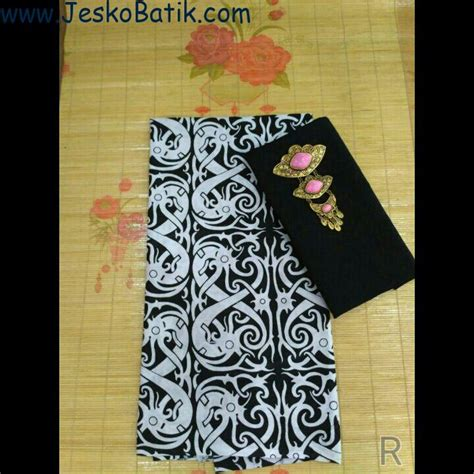 paket kain batik motif monochrome dan kain embos batik