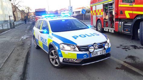 Maxy Ny 95 By Ashira nya polisbilen vid trafikolycka