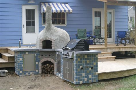 15 Wood Fired Pizza/Bread Oven Plans For Outdoors Backing