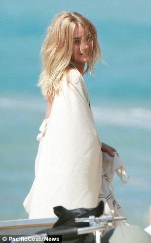 Exclusive Deal 20 At Rosie Cosmetics by Picture Exclusive Rosie Huntington Whiteley Heats Up The