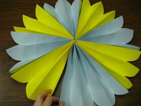 How To Make Paper Pinwheel Decorations - 17 best images about diy paper decor on
