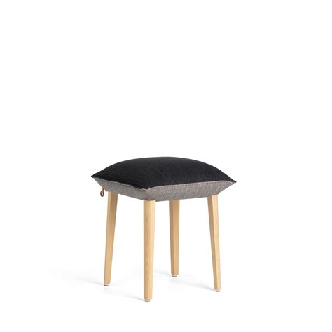 Mushy Stools by Sgabello Imbottito In Tessuto In Stile Moderno Soft Stool