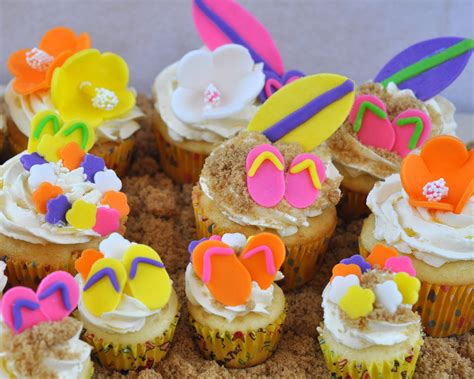 Beki Cook S Cake Blog Easy Hawaiian Or Beach Themed Cupcakes Themed Cupcakes
