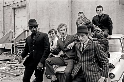 film gangster britannique charting the coolest 60s gangster fashion ahead of legend