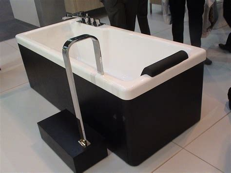 bathtubs with steps bathtubs with steps 28 images mobile home bathtubs garden tubs corner bestofhouse
