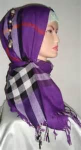 Jilbab Segi Empat Jumbo Motif 384081 289032611142129 166294513415940 880941 2037827991 N