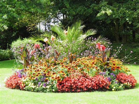 Vivaces Fleuries Tout L été by Massif De Fleurs Zen