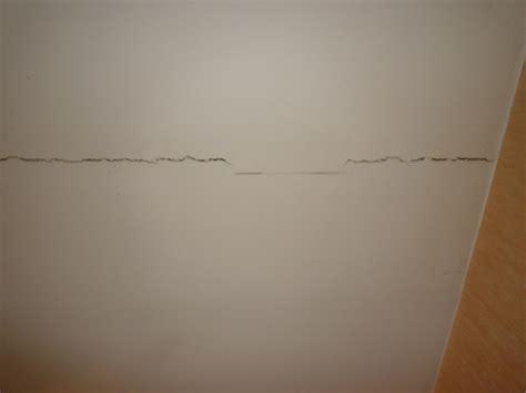 fissure plafond grave