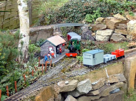 Garden Railroad by File Uk Garden Railway Jpg