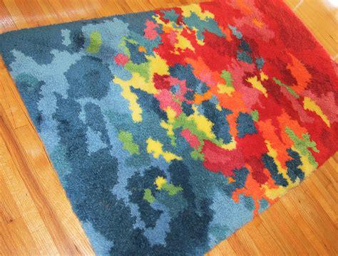 how to hang a latch hook rug diy latch hook rug pattern rugs ideas