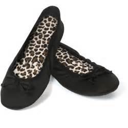 Dearfoams Bedroom Slippers df by dearfoam women s cable knit scuff slipper walmart com