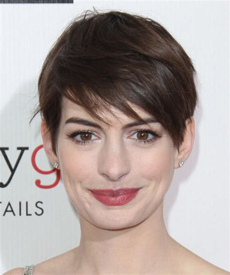 anne hathaway short hair 360 view anne hathaway short straight casual hairstyle with side