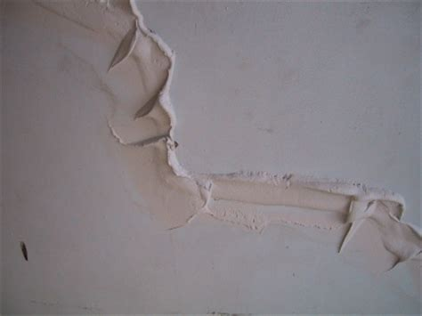 Filling Cracks In Plaster Ceiling by Repair Lath And Plaster Cracks