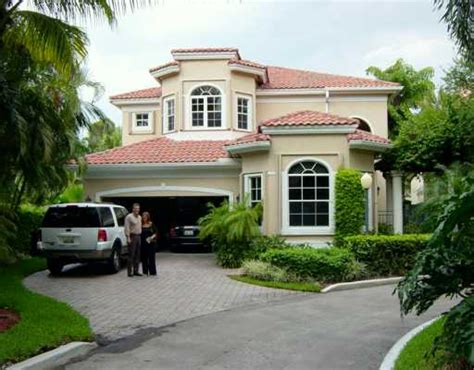 house in florida houses in florida meet the celebrity homes in florida house plans