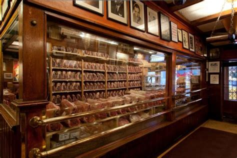 gallagher s steak house gallagher s steakhouse closes for renovations midtown new york dnainfo