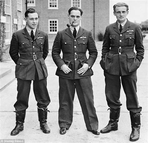 Ready Gan Flight Bomber Rodmax douglas bader footage of ww2 fighter ace who