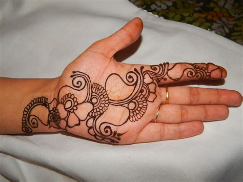 mehndi patterns using geometric shapes get started with mehndi step by step mehndi