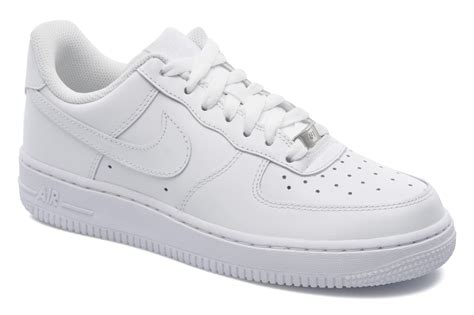 imagenes gomas nike nike wmns air force 1 07 trainers in white at sarenza co