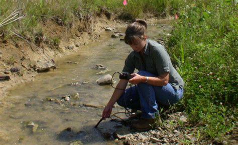 Environmental Scientist Description by A Day In The Of An Environmental Scientist The Spot