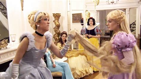 lindsay lohan snl disney new snl video watch deleted scenes from real