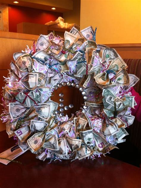 Money Origami Wreath - gifts wedding and money on