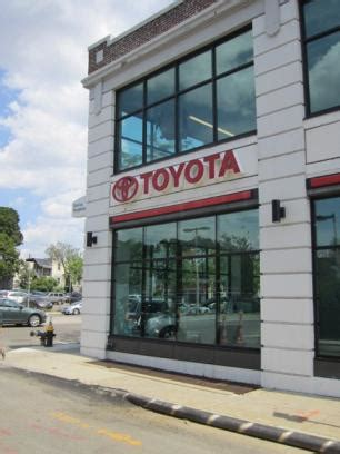 Toyota Dealership Boston Herb Chambers Toyota Dealers The Knownledge