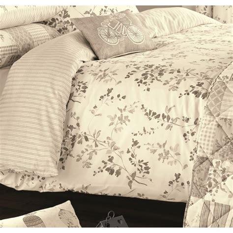 dreams n drapes dreams n drapes lila natural vintage floral duvet set