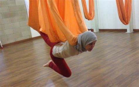 yoga swing jakarta vire pose antigravity hammock yoga jakarta fit