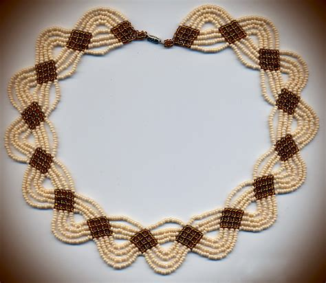 Handmade Chain Designs - free pattern for necklace caramel magic