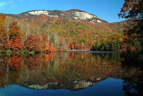 table rock lake state a look at the beautiful scenery of south carolina
