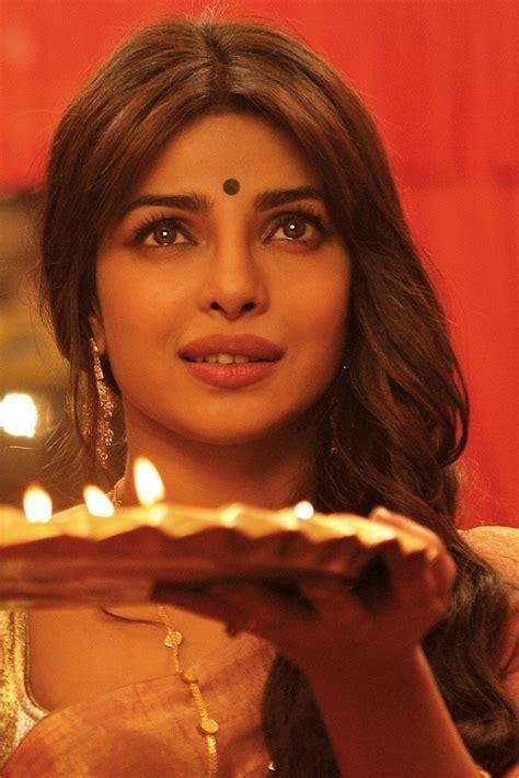 priyanka chopra gunday photos hot stills of priyanka chopra as nandita gunday s sexy