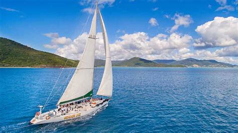 boat cruise whitsundays sailing whitsundays