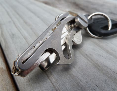 Kychain Organizer As Seen On Tv New Key Smart is that a rabbit in your pocket or just a titanium key holder the gadgeteer