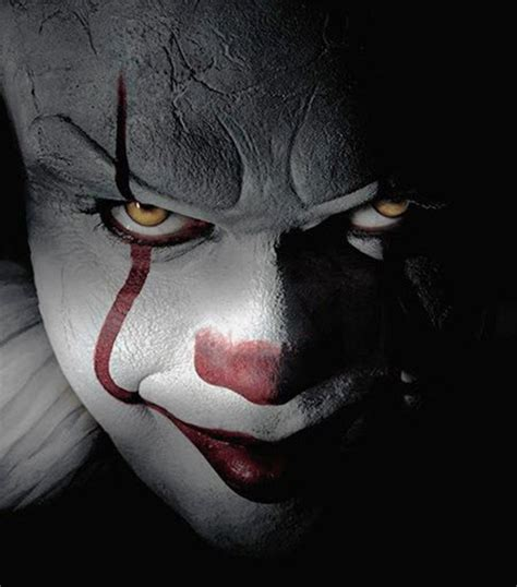 Kings Home Decor by Pennywise The Clown From Stephen King S It For Halloween