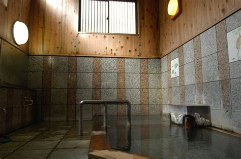 onsen ryokan tattoo are people with tattoos allowed in onsen